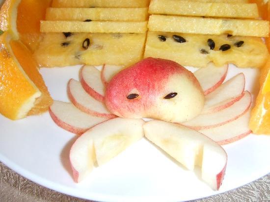 Airai Water Paradise Hotel & Spa: 國晏級以上的水果盤