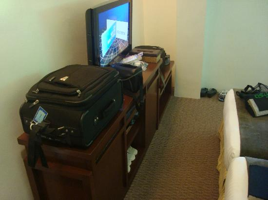 "Acuatico Beach Resort & Hotel: No other ""stand"" for our luggage"