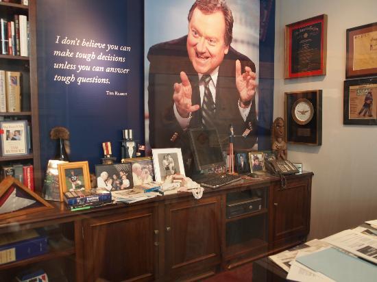 متحف النيوزيام: Tim Russert's office 