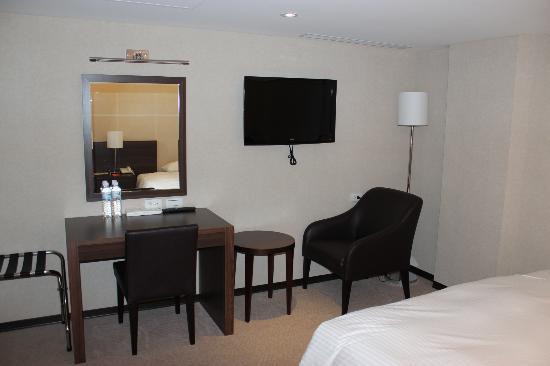 パラダイス ホテル(伊楽園大飯店), 液晶テレビ 日本の番組も見ることが出来ます。