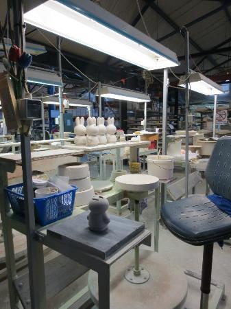 Royal Delft - Koninklijke Porceleyne Fles: Factory line