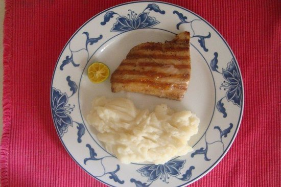 Balamban, Philippines: Simple but Great, Fishfillet with mashed Potatoes