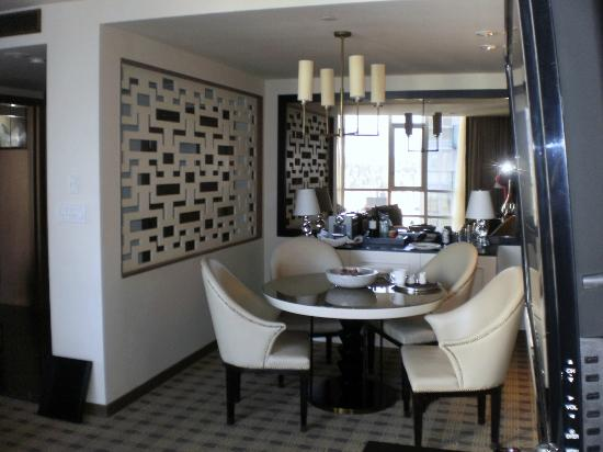 Loden Hotel: dining area