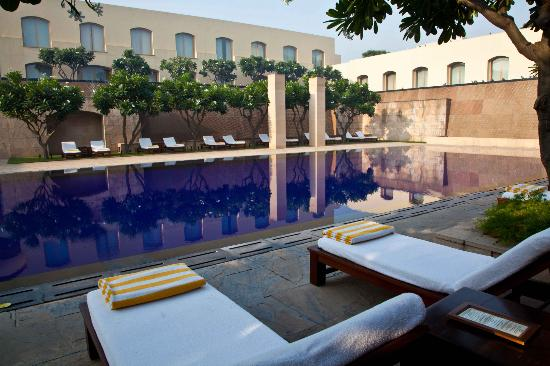Trident, Gurgaon: Hotel pool area