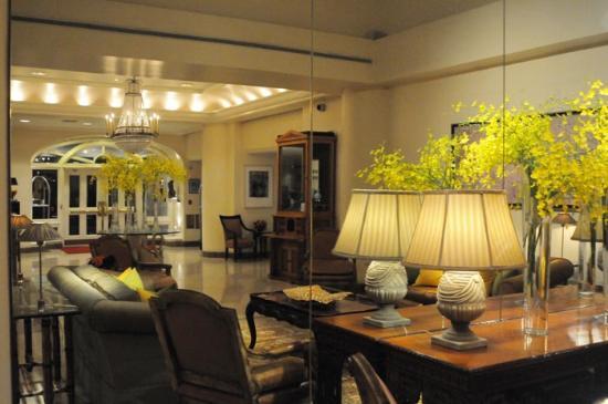 Taj Campton Place: Thw Taj lobby