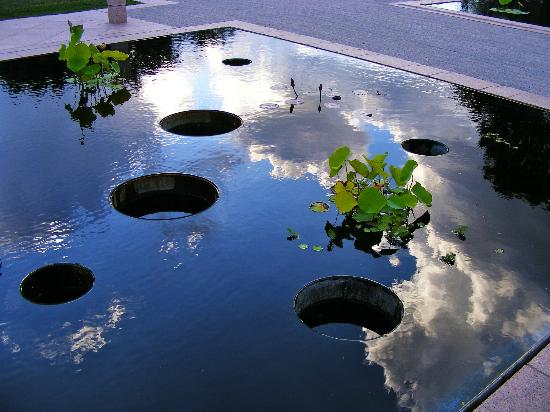Burlington, Canada: The reflecting pool