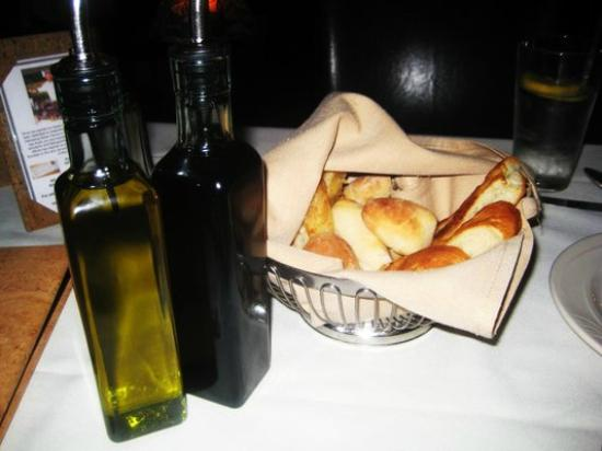 Aliotta's Via Firenze: Bread