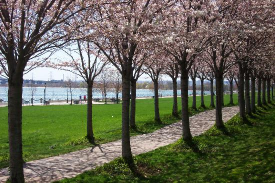 Burlington, Canadá: Spencer Smith Park in Spring
