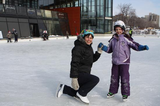Burlington, Canada: Skating at Discovery Landing