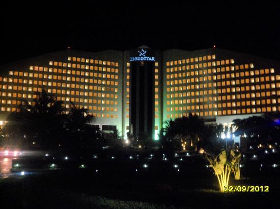 Hotel De Noche Picture Of Iberostar Cancun Cancun Tripadvisor