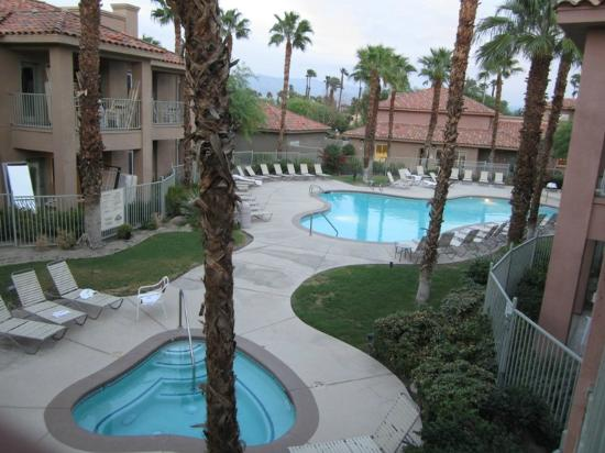 Residence Inn Palm Desert: Pool area - view from my balcony