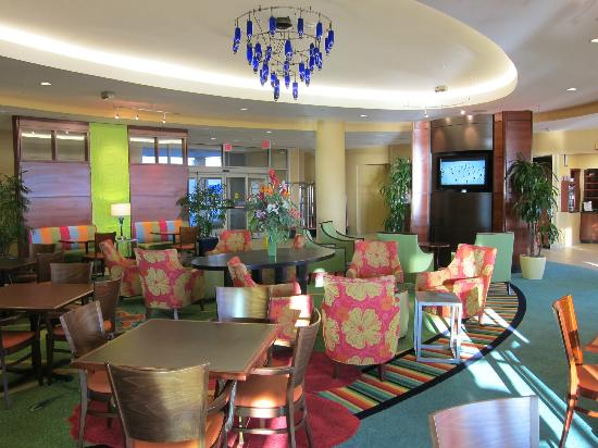SpringHill Suites Virginia Beach Oceanfront: pleasant dining area