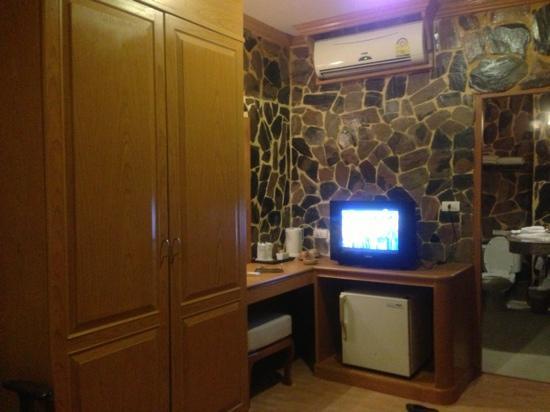 Chang Residence: Tea coffee cable TV and WiFi