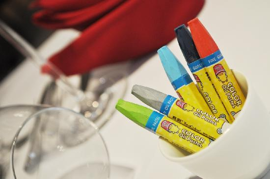 Angus Grill (Crowne Plaza Beijing Wangfujing): Crayons on every table for Instant Paintings