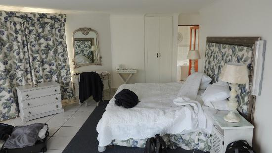 Misty Waves Boutique Hotel Hermanus: Zimmer