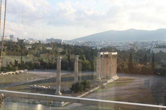 The Athens Gate Hotel: Temple of zeus from the roof top