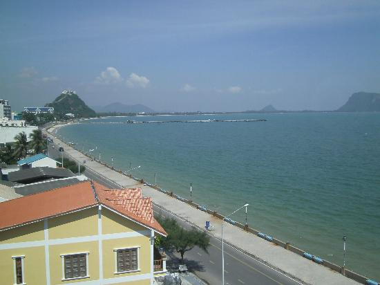 Prachuap Beach Hotel: northern view