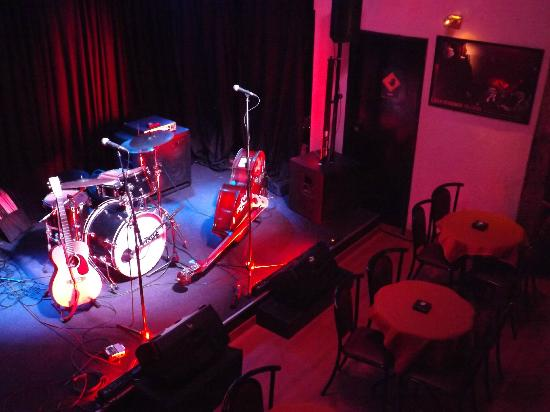 Hot Five Jazz & Blues Club: stage
