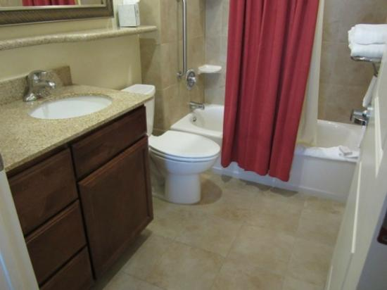 TownePlace Suites Tucson Williams Centre: Super clean bathroom