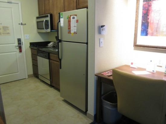 TownePlace Suites Tucson Williams Centre: Full kitchen