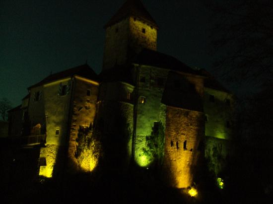 Hotel Burg Wernberg: as it looks after dark