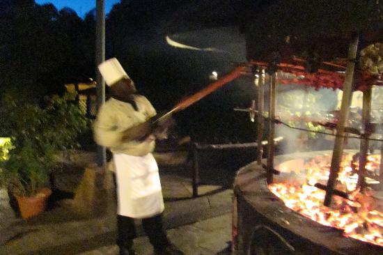 Safari Park Hotel & Casino: BBQ