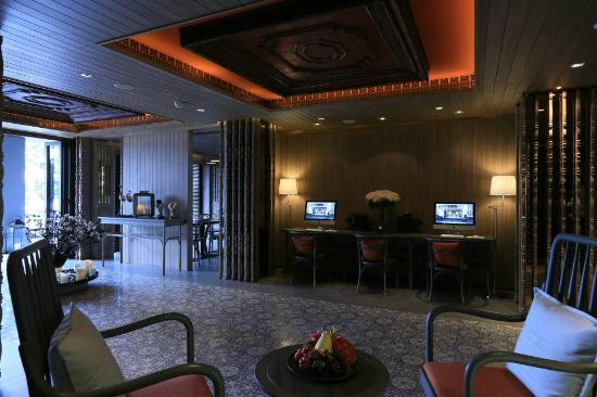 Riva Surya Bangkok: Lobby