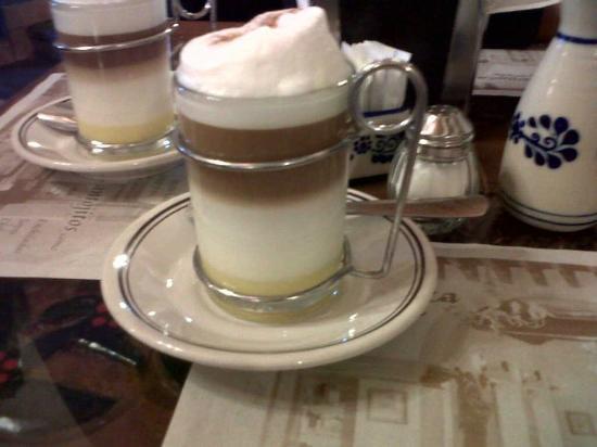 Hotel Maridelfi: capuchino en el cafecito tipico la charamusca en tequis