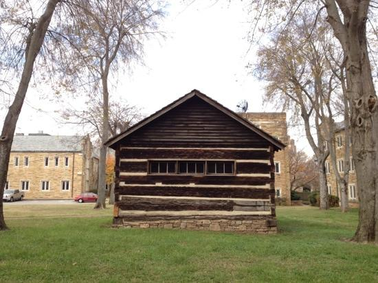 Scarritt-Bennett Center: log building