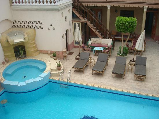 Villa Nile House: View of the pool from room