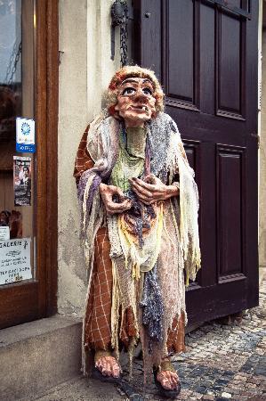 Shop Marionety Truhlar: У входа в магазин