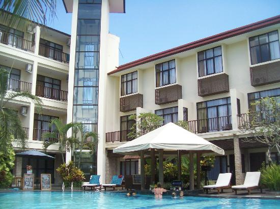 Best Western Resort Kuta: Notice some deluxe rooms don't have balconies