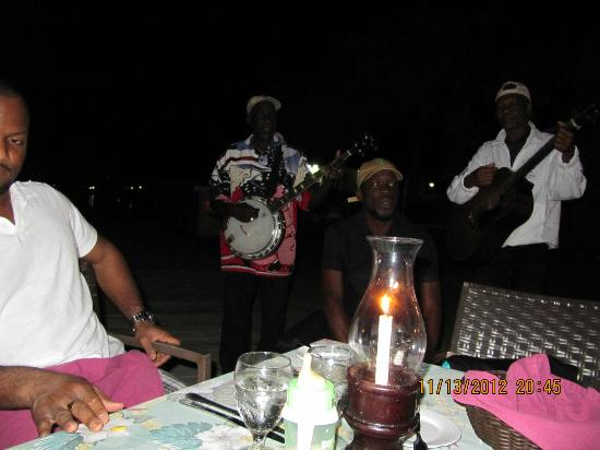 Coyaba Beach Resort: Dining entertainment at Dockers