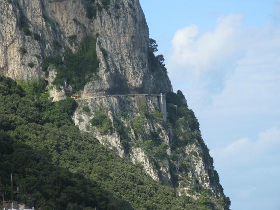 Hotel Capri: Vista dalla camera - sinistra