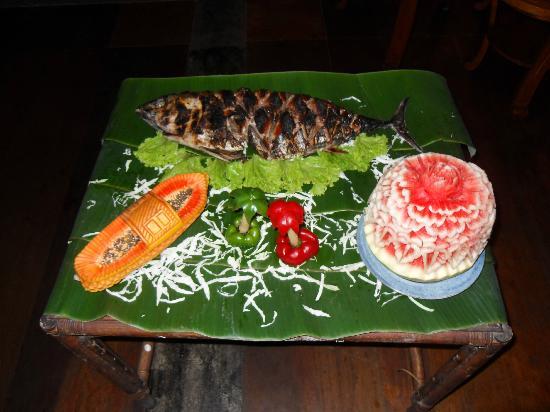 บูนาเกนชาช่าเนเจอร์รีสอร์ท: pesce alla brace