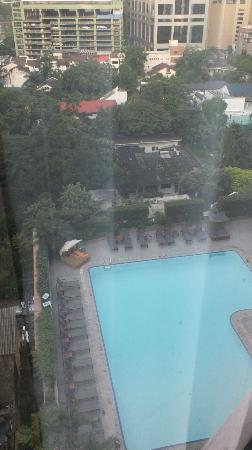 Rembrandt Hotel Bangkok: pool from the 9th floor room