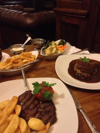 Bryn Howel Hotel: mum had the steak