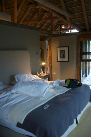 Kwandwe Great Fish River Lodge: The bed, Room 9