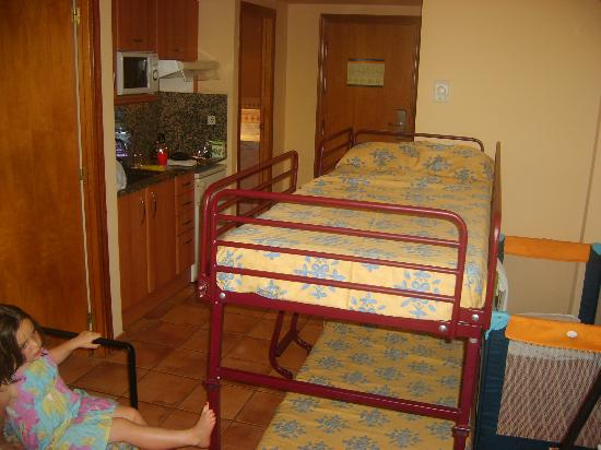 H10 Mediterranean Village: Bunkbeds for an 18month old baby??