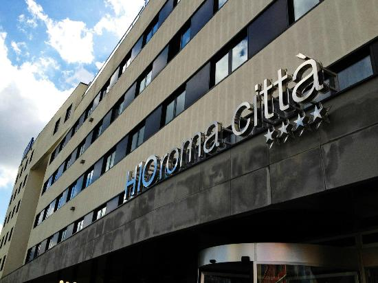 H10 Roma Citta : Entrée de l'hotel