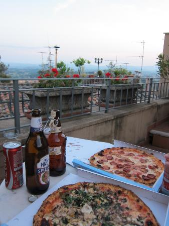 Hotel Signa: The room had a beautiful balcony for those special moments