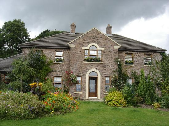 Tirconaill Lodge: Front of House