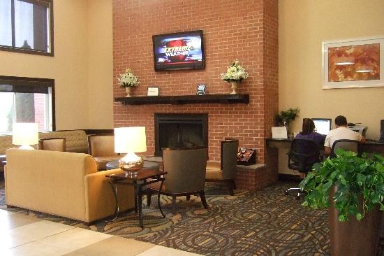 BEST WESTERN PLUS Newark/Christiana Inn: Lobby
