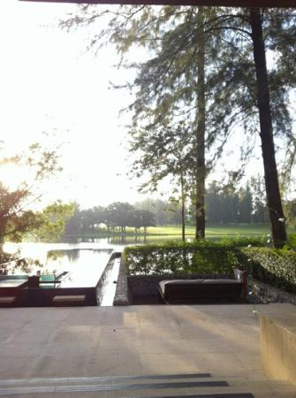 Banyan Tree Phuket: pool of villa in morning