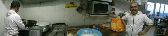 Magliolo, Olaszország: In cucina...