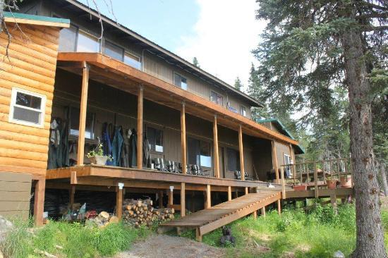 Alaska's Bearclaw Lodge: Main Lodge - Front View