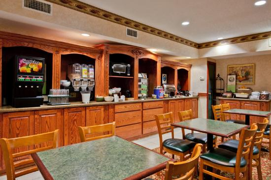 Country Inn & Suites By Carlson, Hot Springs : CountryInn&Suites HotSprings BreakfastRoom