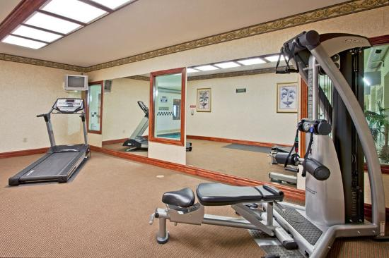 Country Inn & Suites By Carlson, Hot Springs : CountryInn&Suites HotSprings FitnessRoom