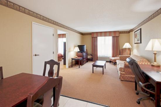 Country Inn & Suites By Carlson, Hot Springs: CountryInn&Suites HotSprings Suite