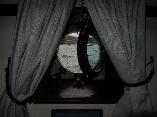 Malardrottningen Yacht Hotel and Restaurant: View from cabin